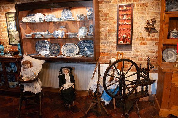 Museum Dolls